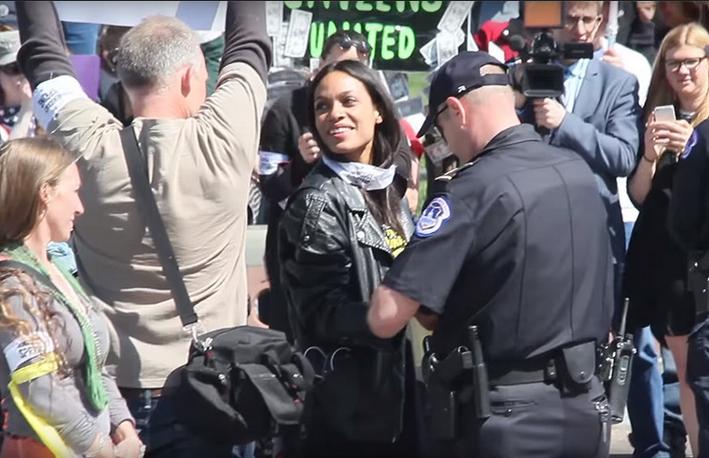 rosario dawson arrested